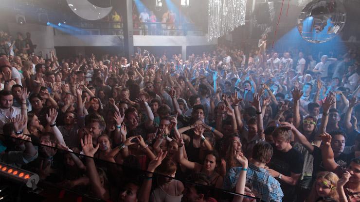 Pure-Pacha-Ibiza-2013-essentialibiza-NickE-image-6