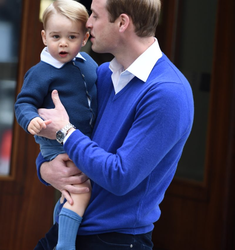 LONDON, ENGLAND - MAY 02: Prince William, Duke of Cambridge, and Prince George arrive at the Lindo Wing at St. Mary's Hospital on May 02, 2015 in London, England. The Duchess of Cambridge was safely delivered a daughter at 8:34am this morning weighing 8lbs 3oz. (Photo by Anwar Hussein/WireImage)